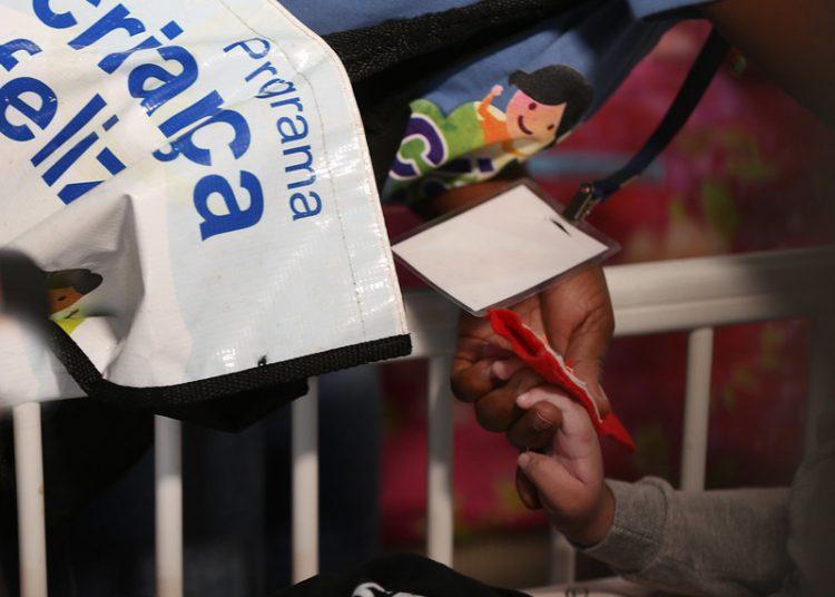 20190819_SNPDH_Andrea de Jesus Santos , moradora de Campo Grande /MS e mãe do Arthur (BPC), recebem a visitadora do programa Criança Feliz Eunice Maria da Silva. Foto : Mauro Vieira/Ascom/Ministério da Cidadania