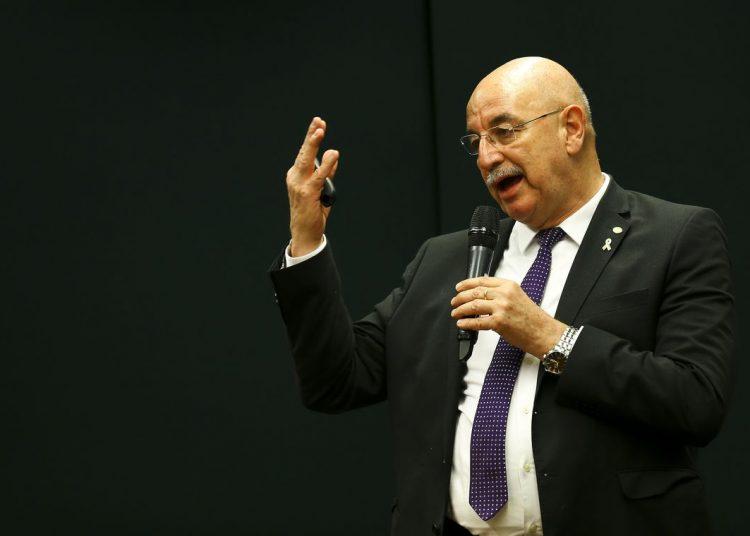 O ministro da Cidadania, Osmar Terra, participa de audiência pública na comissão de educação da Câmara dos Deputados.