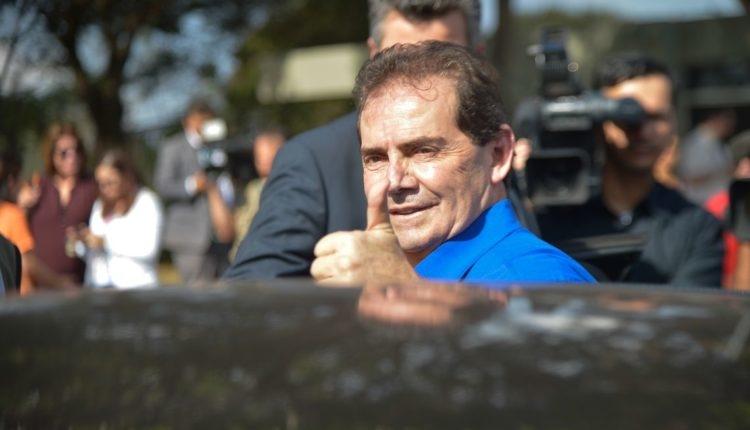 Brasília - O Deputado Federal, Paulinho da Força fala com jornalistas após almoço das centrais sindicais com o pesidente interino, Michel Temer (José Cruz/Agência Brasil)
