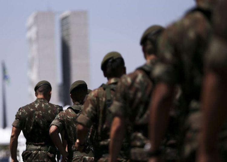 Preparativos finais para o desfile de 7 de Setembro, na Esplanada dos Ministérios.