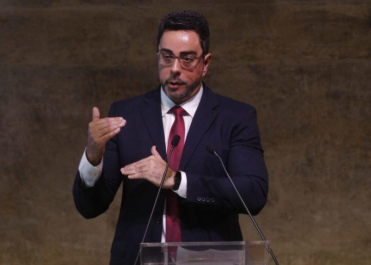 O juiz Federal titular da 7ª Vara Federal Criminal do Rio de Janeiro, Marcelo Bretas, fala durante Simpósio de Combate à Corrupção, na Fundação Getúlio Vargas, no Rio de Janeiro.