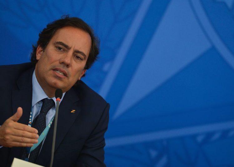O presidente da Caixa Econômica Federal, Pedro Guimarães, fala à imprensa no Palácio do Planalto, sobre o lançamento do aplicativo CAIXA Auxílio Emergencial