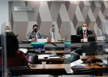 Wagner Rosário e Omar Aziz na reunião desta terça, em que ministro da CGU se defendeu de acusações sobre inação da controladoria Foto: Roque de Sá/Agência Senado / Fonte: Agência Senado