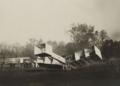 [Collection Jules Beau. Photographie sportive] : T. 33. Années 1906 et 1907 / Jules Beau : F. 15. [Les étapes de l'aviation. Nouveau triomphe de Santos-Dumont. 12 novembre 1906];